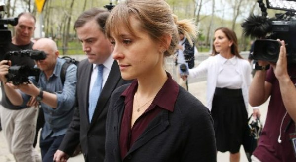 """""""Smallville"""" actress Allison Mack sentenced to 3 years in prison for her role in NXIVM sex cult"""
